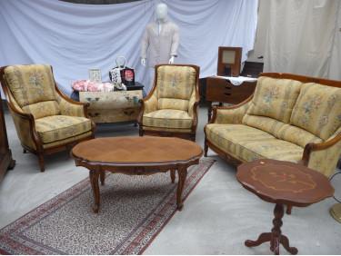 Canapé + 2 fauteuils jaunes