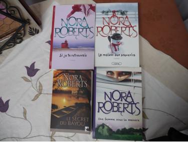 lot de livre Nora Roberts brochés 1