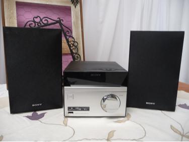 Chaine hifi CD/USB SONY